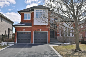 2240 Carpenters Circ, Oakville