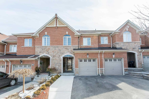 61 Bay Breeze Dr, Brampton