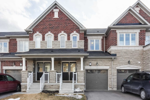 498 Queen Mary Dr, Brampton