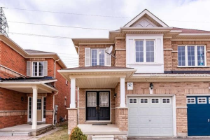 18 Wicklow Rd, Brampton