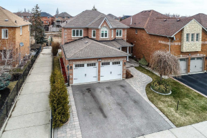 6927 Gracefield Dr, Mississauga