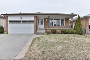 883 Hollowtree Cres, Mississauga