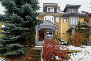 285 Garden Ave, Toronto