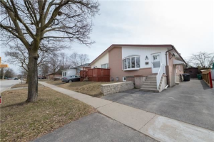 43 Corby Cres