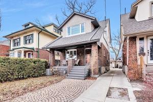304 Runnymede Rd, Toronto