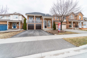 168 Queen Mary Dr, Brampton
