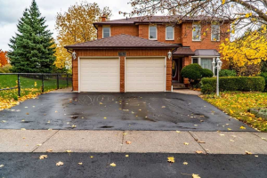 232 Martindale Ave, Oakville