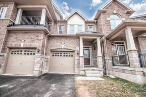 8 Hogan Manor Dr, Brampton