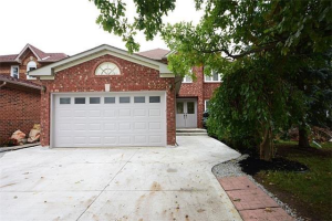 3235 Bloomfield Dr, Mississauga