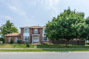 382 Ceremonial Dr, Mississauga