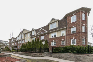 714 Neighbourhood Circ, Mississauga