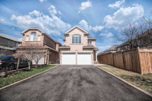 5383 Red Brush Dr, Mississauga