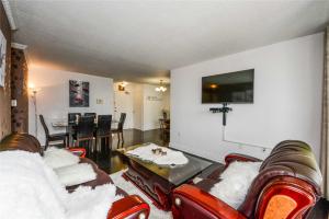 $309,900 • 17 Knightsbridge Rd