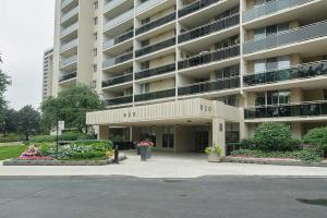 820 Burnhamthorpe Rd, Toronto