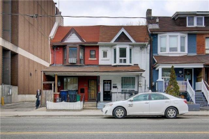 1056 Dufferin St, Toronto