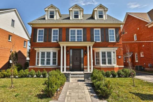 252 Lexington Rd, Oakville