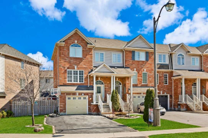 93 Decker Hollow Circ, Brampton