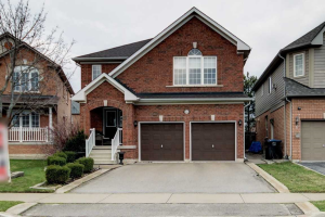 55 River Rock Cres, Brampton