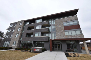1284 Guelph Line W, Burlington