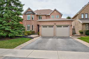 2204 Brays Lane, Oakville