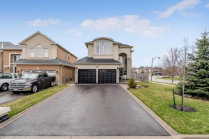 194 Royal Valley Dr, Caledon