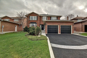 1222 Old Carriage Way, Oakville