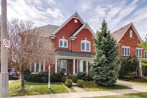 212 Lexington Rd, Oakville