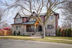 96 Yorkview Dr, Toronto