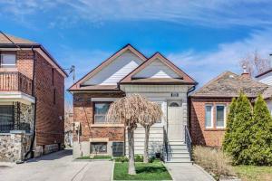 194 Livingstone Ave, Toronto