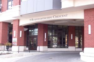 9 Burnhamthorpe Cres, Toronto