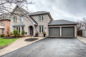 1502 The Links Dr, Oakville