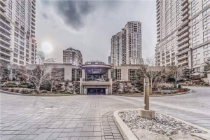 3888 Duke Of York Blvd, Mississauga