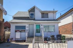 810 Runnymede Rd, Toronto