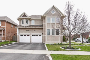 502 Ravineview Way, Oakville