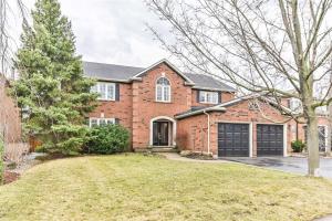 1320 Monks Passage, Oakville