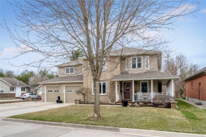 22 Churchill Cres, Halton Hills