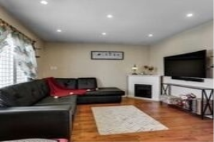 2897 Darien Rd, Burlington