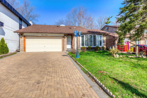 3176 Council Ring Rd, Mississauga