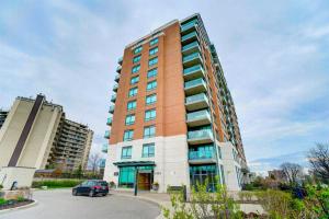 1403 Royal York Rd, Toronto