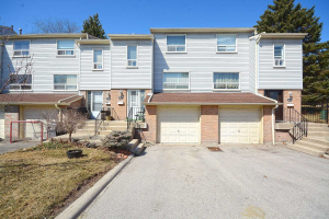 1055 Shawnmarr Rd, Mississauga