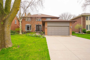 422 Barclay Cres, Oakville
