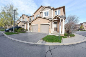 833 Scollard Crt, Mississauga