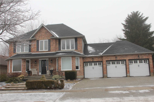 218 Ambleside Dr, London