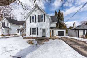 90 Queen St, Kawartha Lakes