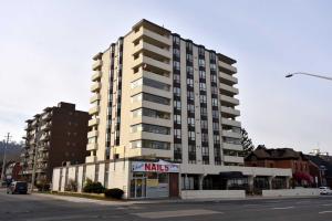 432 Main St E, Hamilton