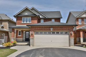 $619,900 &bull; 84 Provident Way, Hamilton, Hamilton <br/> RE/MAX ESCARPMENT REALTY INC., BROKERAGE