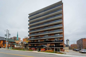 81 Charlton Ave E, Hamilton