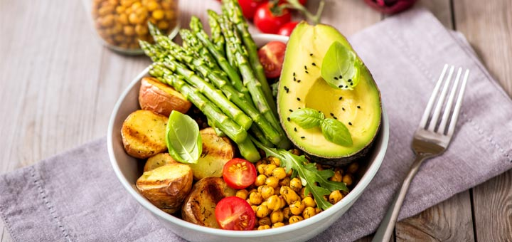 Roasted Asparagus Salad with Chickpeas, Potatoes and Balsamic Vinegar
