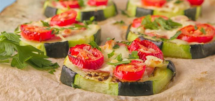 zucchini-pizzas