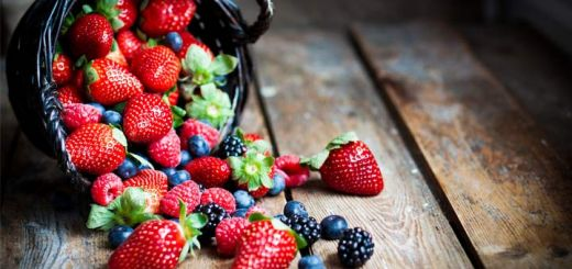 mixed-berry-fruit-basket